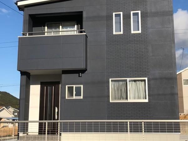3LDK黒い外壁の家