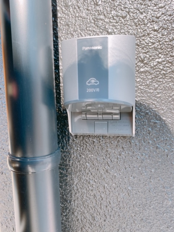 屋外自動車充電器